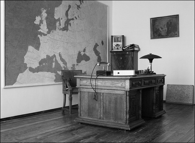 Oskar Schindler's office, Podgorze (7/11 gy58) by: Ted and Jen (CC)