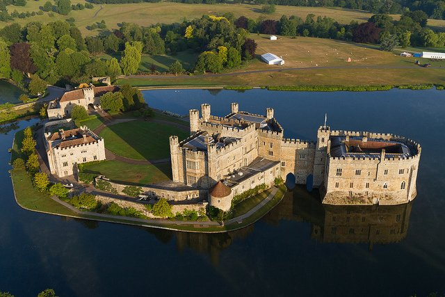 Leeds Castle from the Air by: Marc Evans (CC)