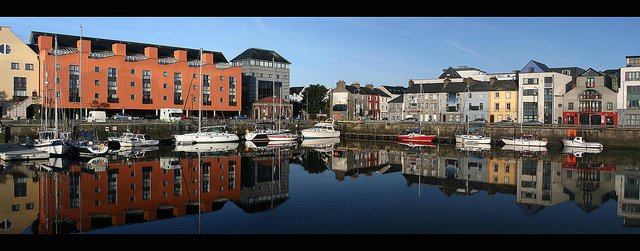 Galway harbor reflected by: Eoin Gardiner (CC)