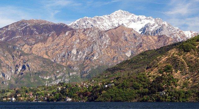 Lake Como by: JohnPickenPhoto (CC)