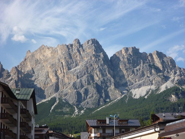 Cortina d'Ampezzo by: Rebecca Siegel (CC)