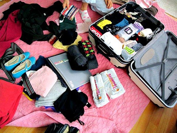 Travel luggage by: anaa yoo (CC)
