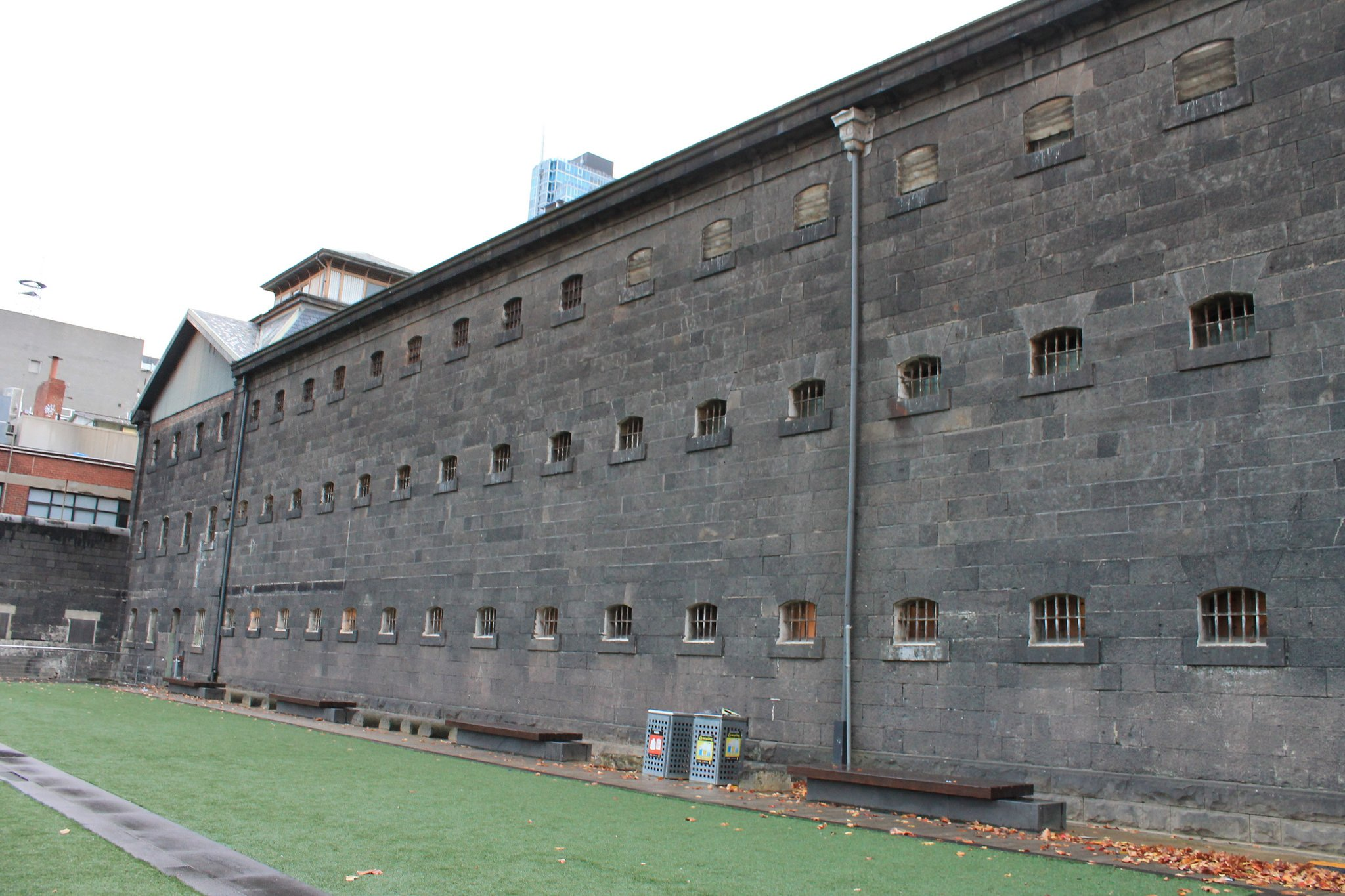 Old Melbourne Gaol by Mertie . (CC)