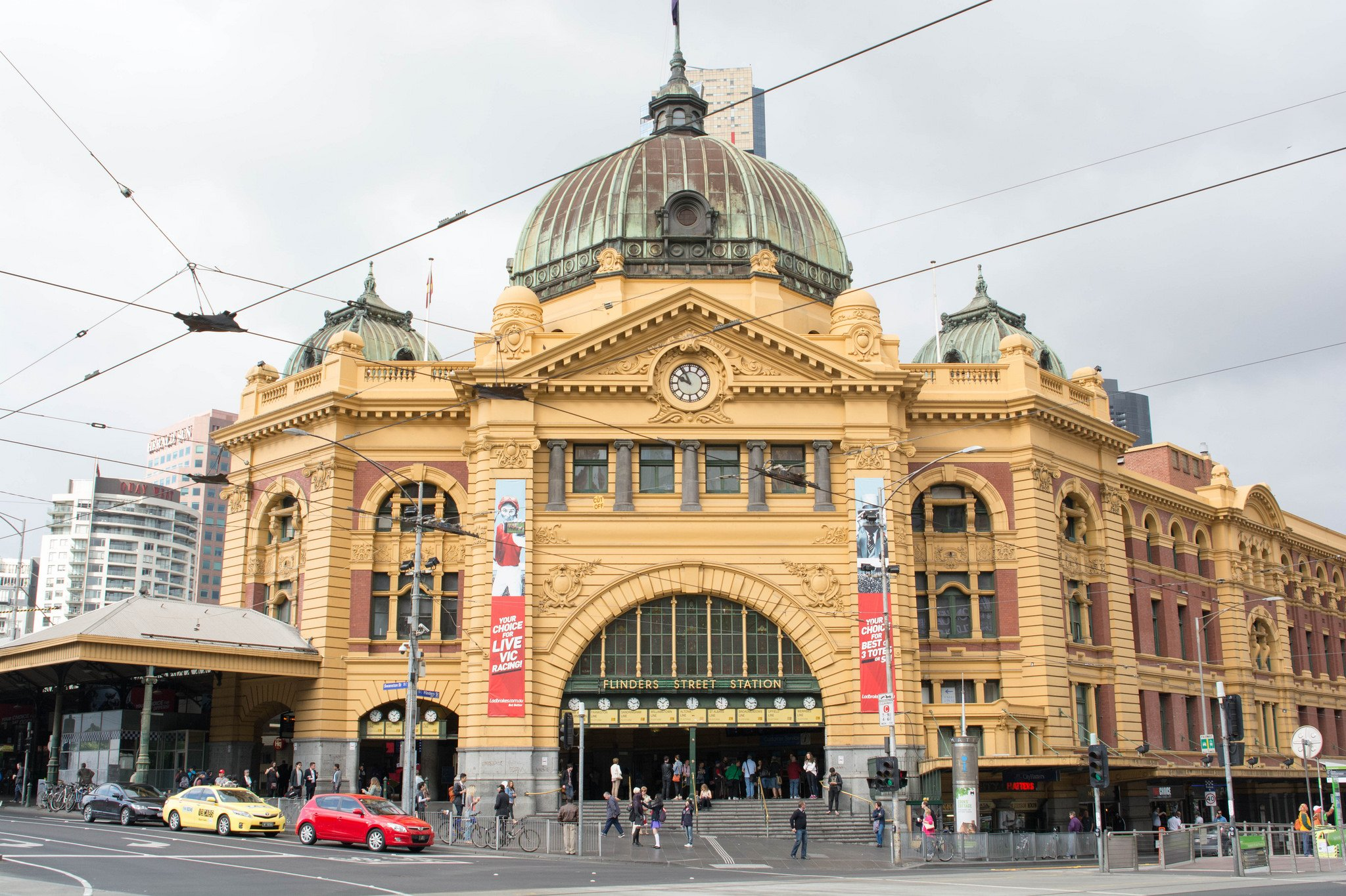 Flinders Street Station Melbourne by Nicki Mannix (CC)