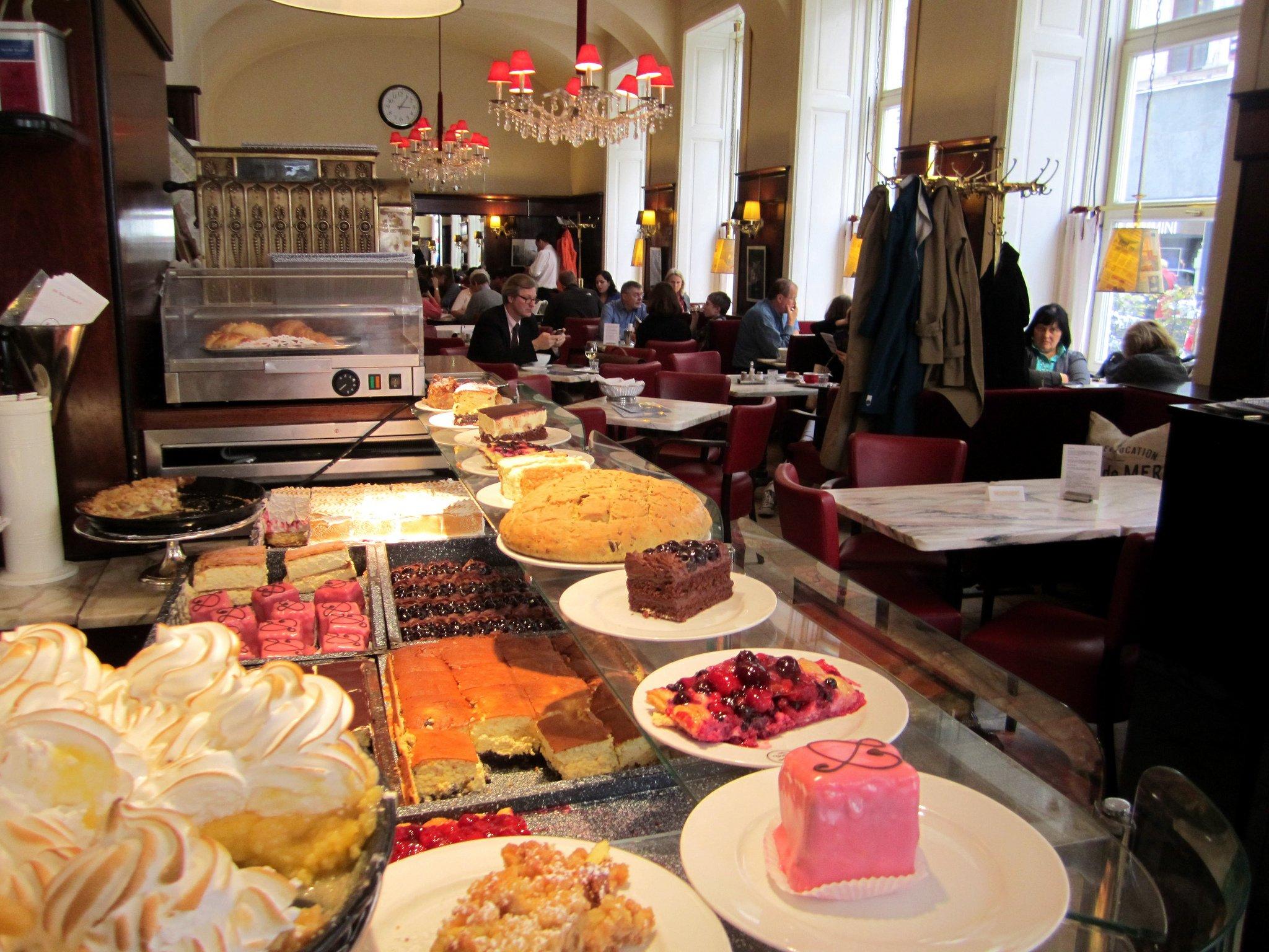 Cafe Diglas, Vienna by La Citta Vita (CC)