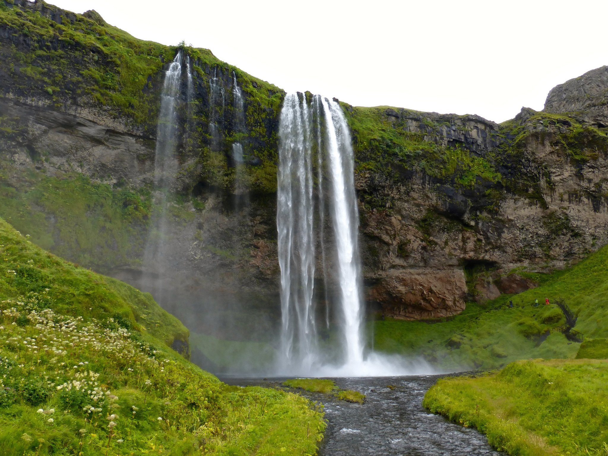 Seljalandsfoss Waterfall by Claire Cox (CC)