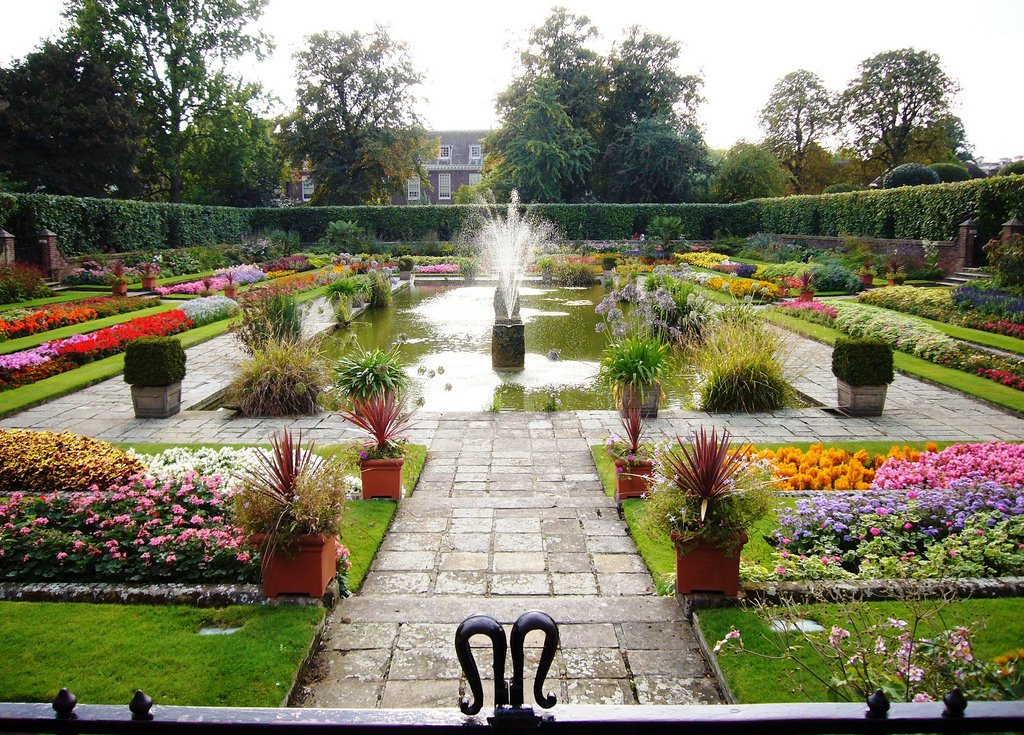 Kensington Palace Gardens by: Melodie Mesiano (CC)