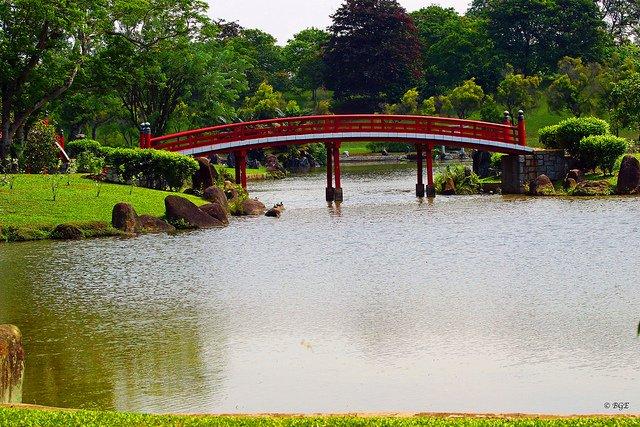 Japanese Gardens Singapore by: Brian Evans (CC)