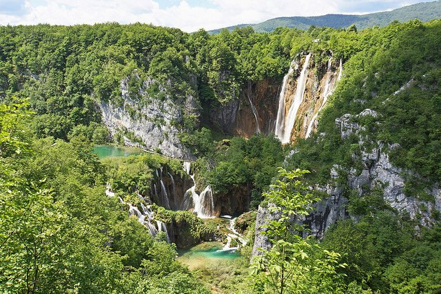 Plitvice Lakes National Park by: Dennis Jarvis (CC)