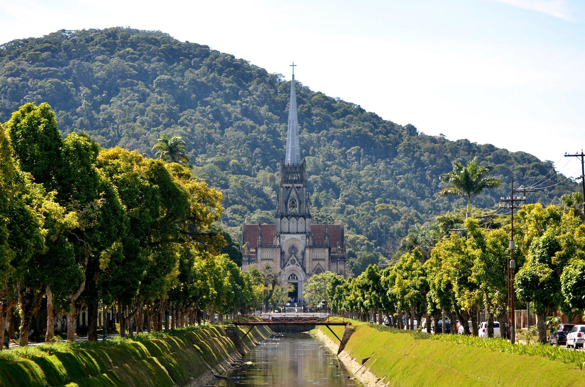 Catedral de Petroplis by: Rodrigo Soldon (CC)