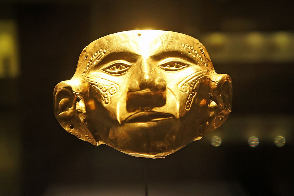 Museo de Oro, Gold Mask by Mariordo (CC)
