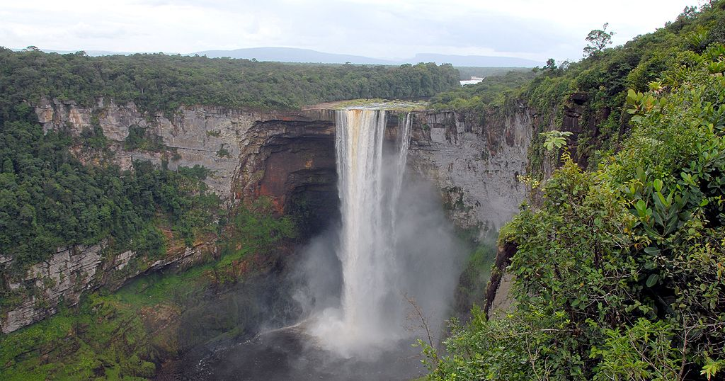 Kaieteur Falls by Bill Cameron (CC)
