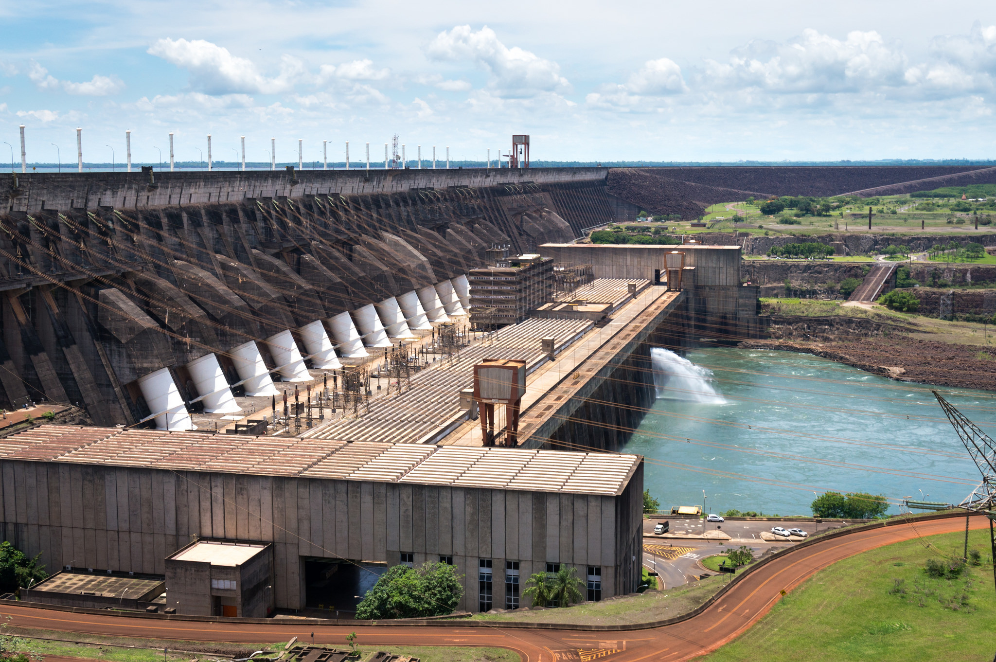 Itaipu Dam by Deni Williams