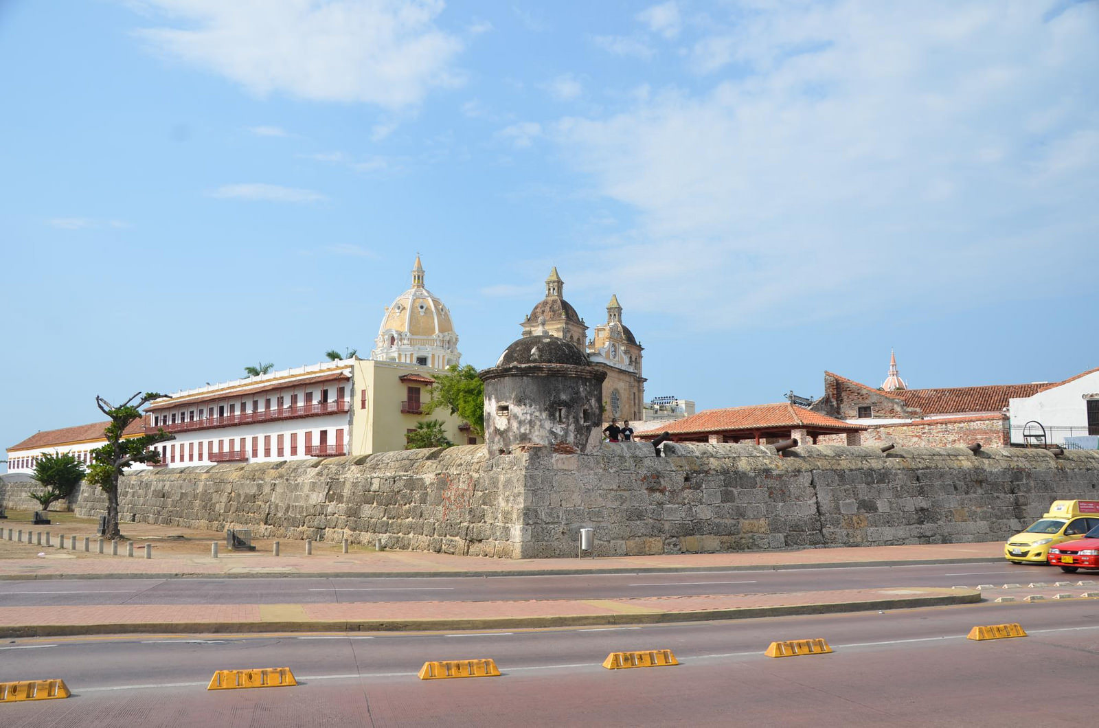 Las Murallas, the walls of Cartagena by Joe Ross (CC)