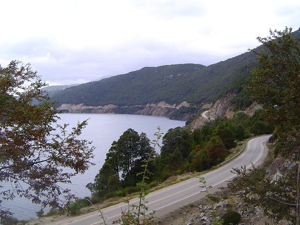 Ruta de los siete lagos by Albasmalko (CC)